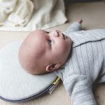 coussin bebe anti tete plate